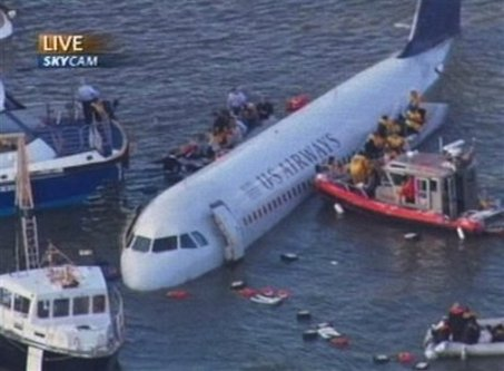 large_ap_new_york_plane_in_river[1].jpg
